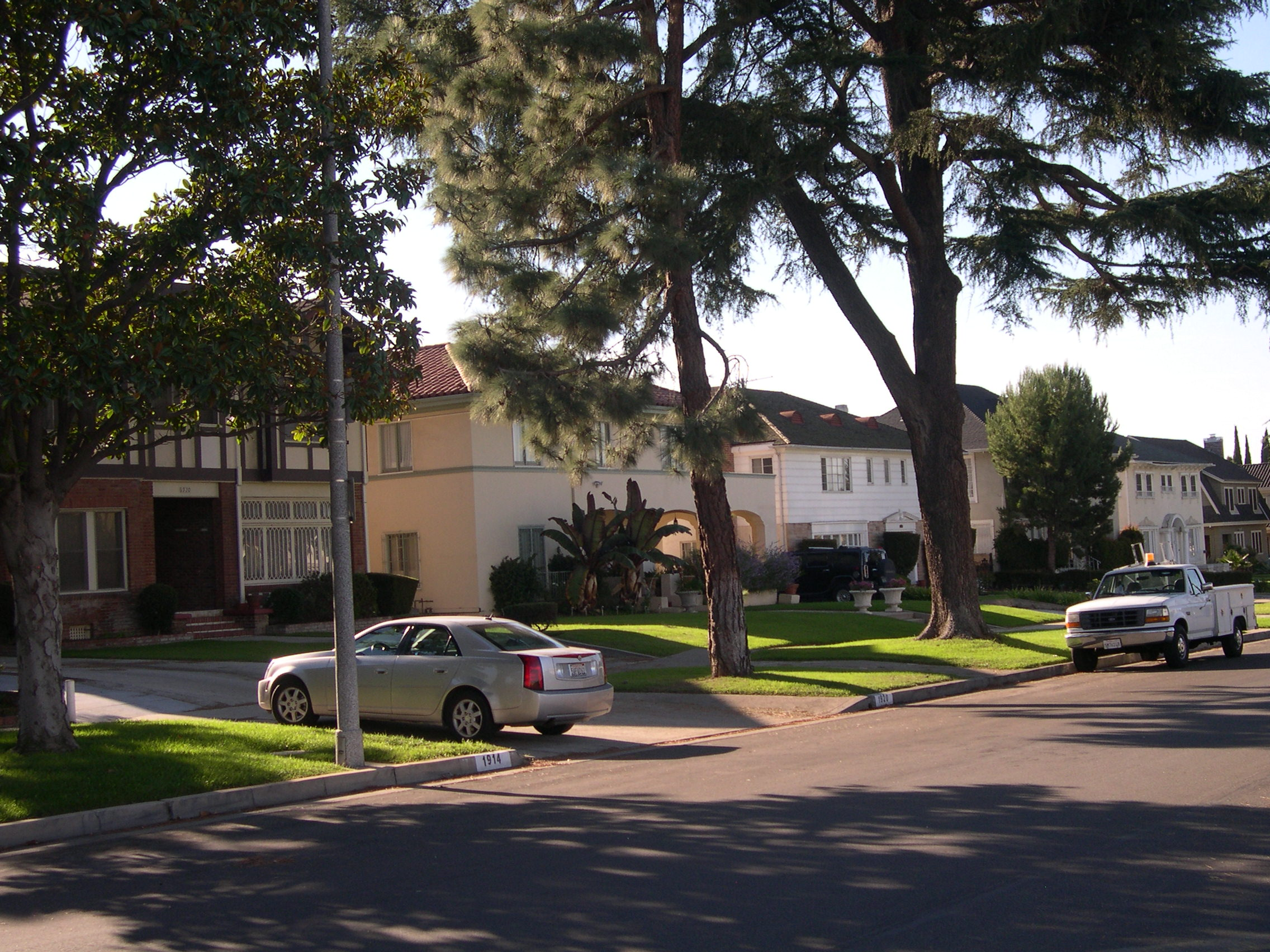 Wellington square in the heart of west adams los for Best neighborhoods in los angeles for singles